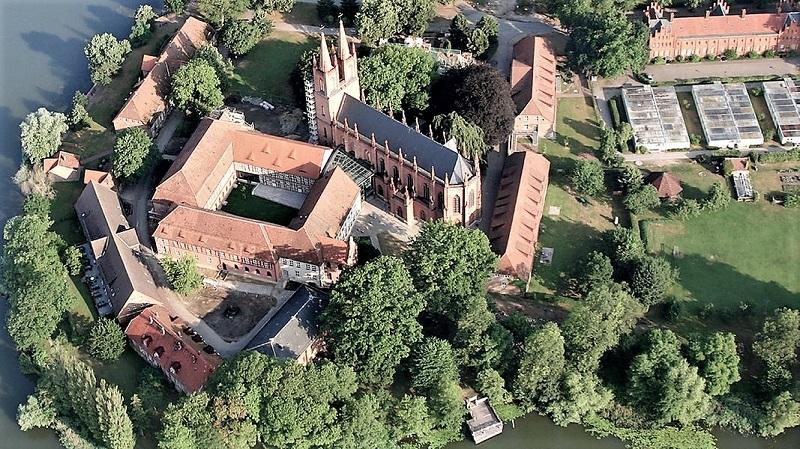 Das Kloster Dobbertin ist bis heute ein interessantes Zeugnis menschlicher Besiedlung im Gebiet des heutigen Naturparks. Foto: Archiv Nordkurier