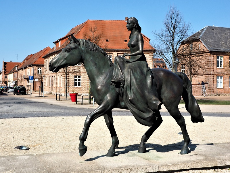 Adlige Vergangenheit: Denkmal für Großherzogin Alexandrine.