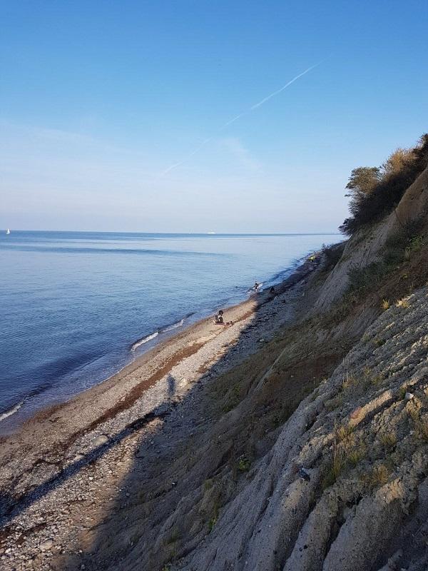 Auch die traumhafte Steilküste Nienhagen kurz vor Warnemünde hat es in sich. Aufpassen und nicht vom Radweg abkommen!