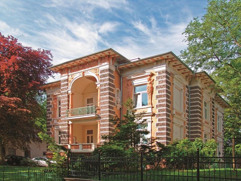 Einzigartiges ist wie hier mit der Villa Hintze auch in der zweiten Reihe von Heringsdorf zu sehen.