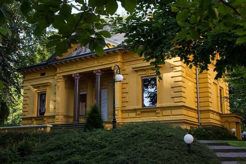 Die Villa Oechsler ist zweifellos eines der schönsten Beispiele der Bäderarchitektur entlang der deutschen Ostseeküste.