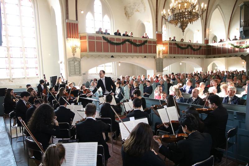 Die Neue Philharmonie MV gastiert in der Lutherkirche Eggesin.